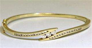14K Solid Yellow Gold Channel Set Round Diamond Hinged